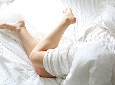 Cum îți afectează LUNA somnul
