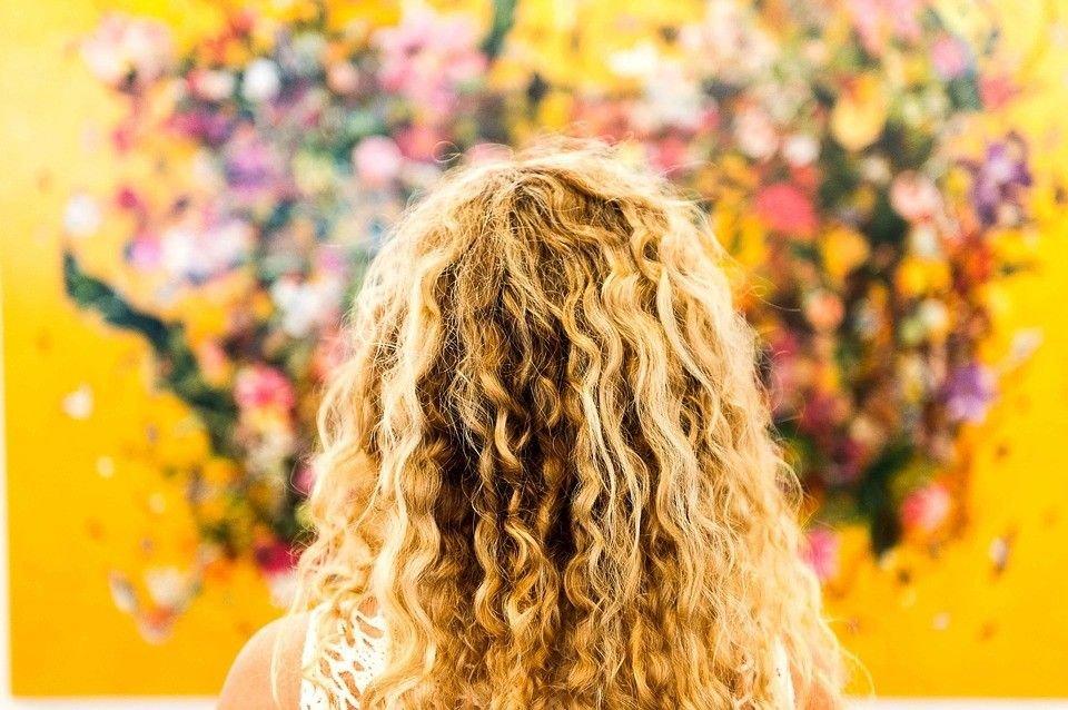 Seducţie Cu Păr Ondulat