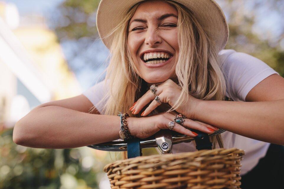 De ce are râsul cu poftă calități vindecătoare