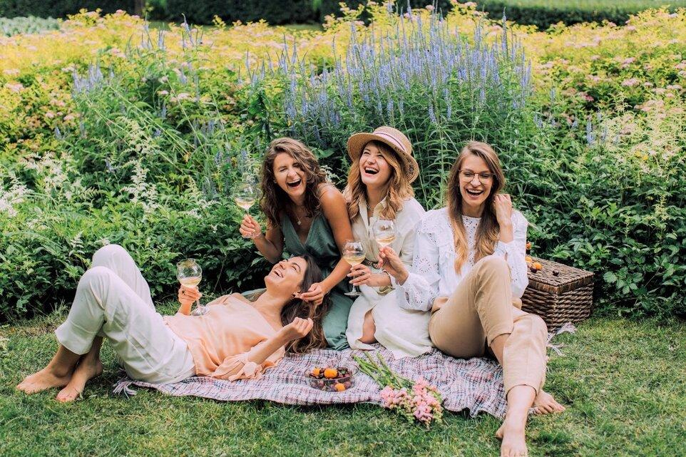 De ce e prietenia importantă pentru fericirea ta