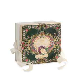 Spring Gifts Logo Box Festive Roses - M